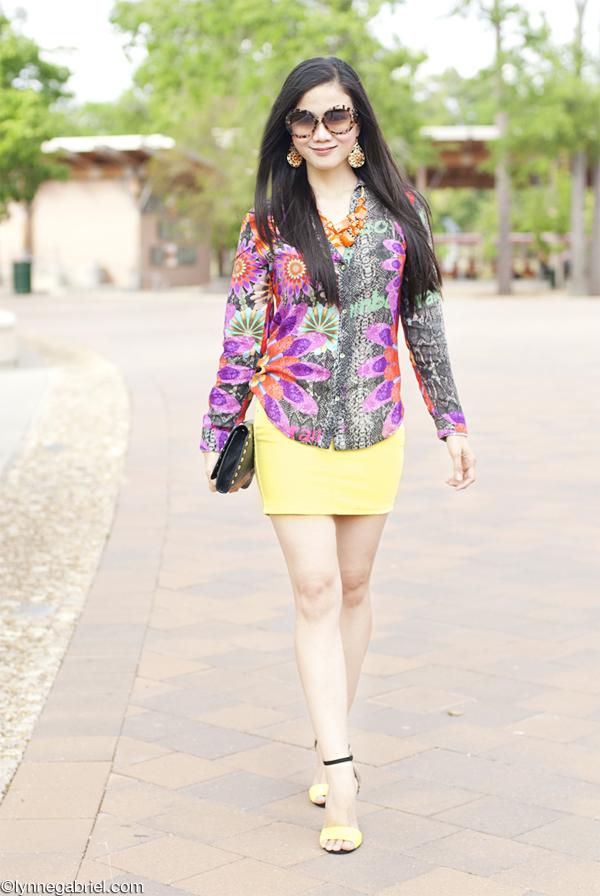 Houston Fashion Blogger Wears Desigual Top