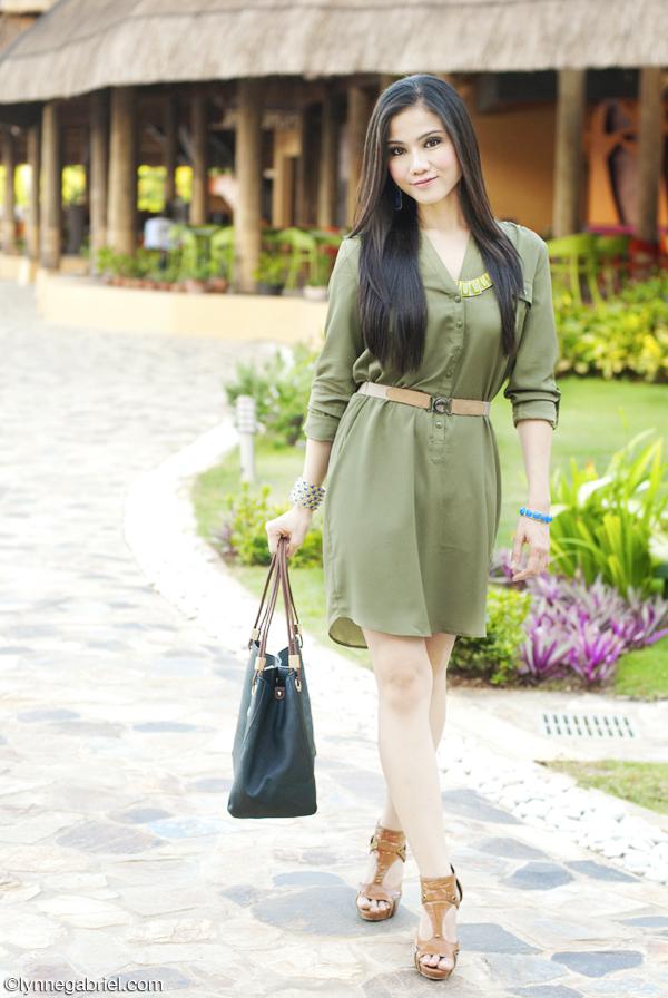 Houston Fashion Blogger Wears Venus Shirt Dress