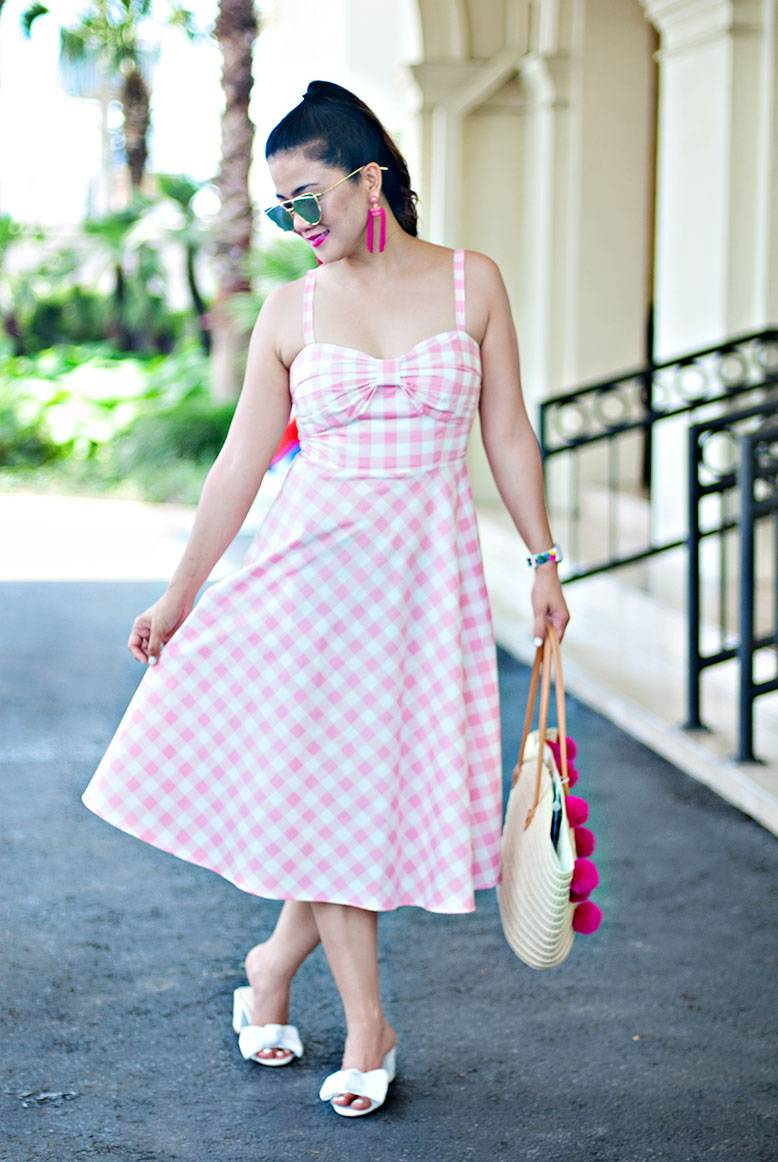 What Does It Take To Do Fashion Blogging & How Not To Get Into Debt Doing So!