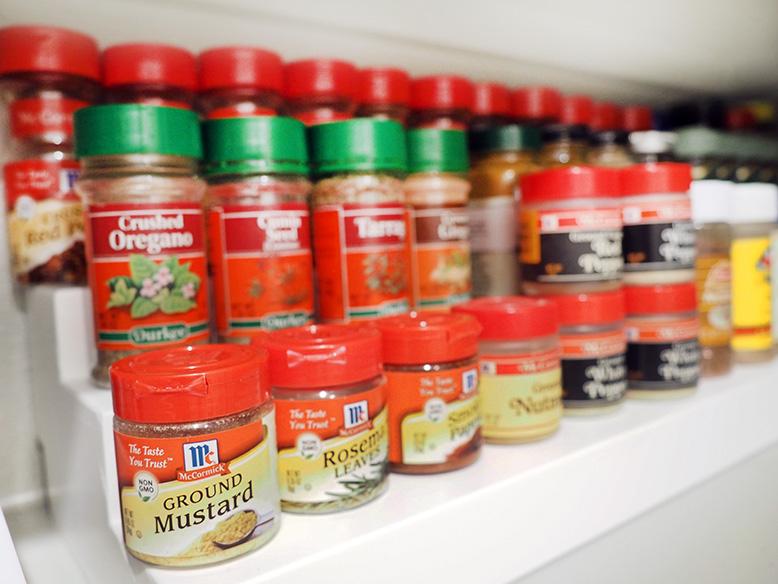 Expandable Seasonings Organizer